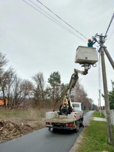 Триває заміна ліхтарів вуличного освітлення