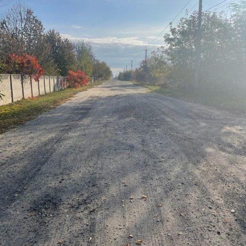 Відсипали відрізок дороги в Затишному