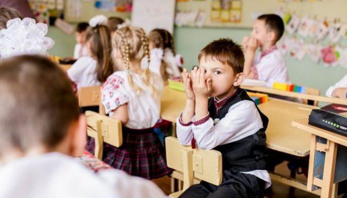 1776040-do-uvagi-batkiv-u-hmelnitskomu-zminili-termini-podachi-dokumentiv-dlya-zarahuvannya-do-shkoli