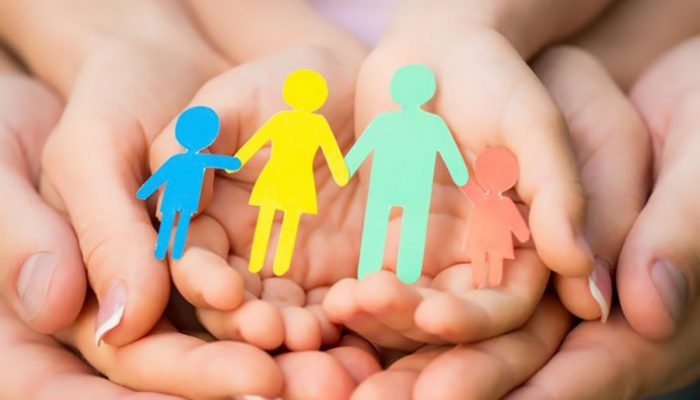 family-3-hands-unity-irs.in.ua